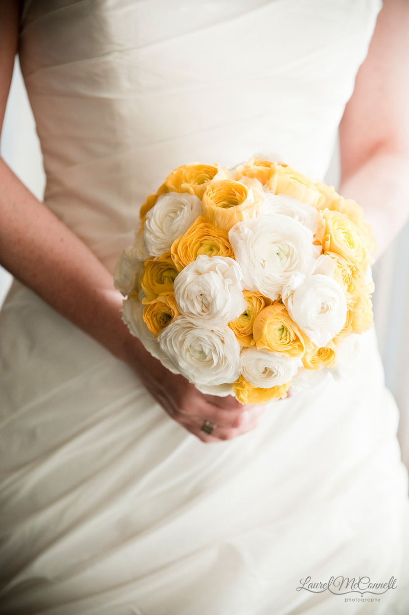 wedding photography of yellow and white bouquet
