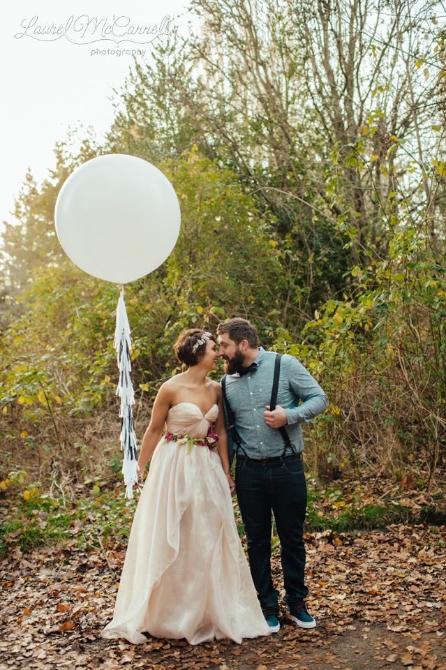giant balloon like geronimo balloon with bride and groom