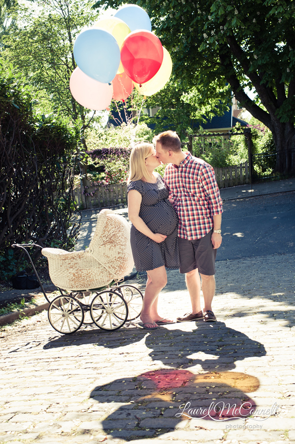 Fun balloon maternity photography Seattle.