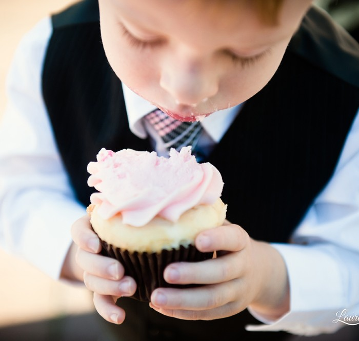 Cupcakes! :: Seattle Wedding Photography