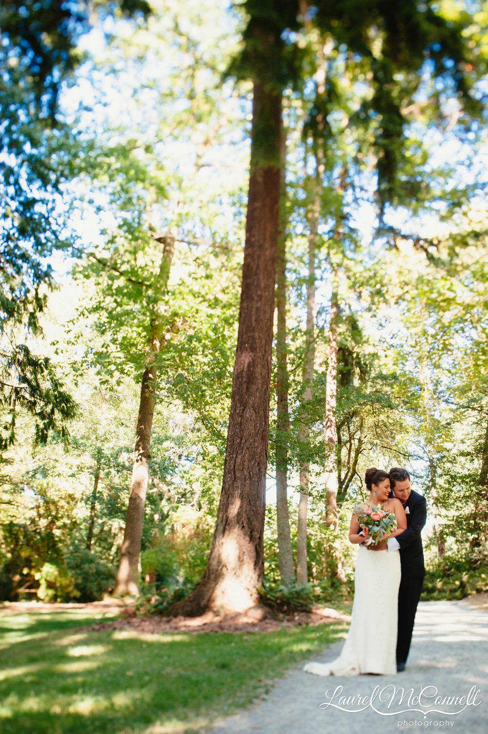 Romantic, woodland Seattle wedding portraits photography Laurel McConnell Photography.