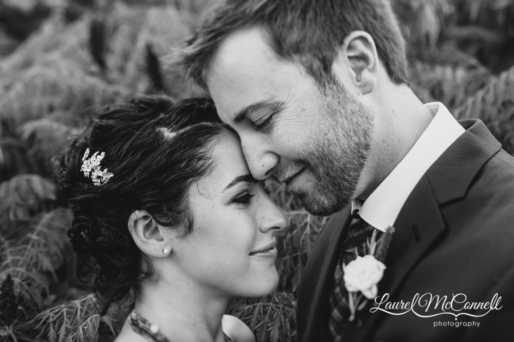 Romantic, elegant Woodinville wedding photography by Laurel McConnell.