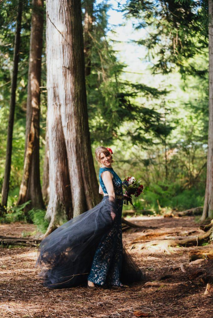 bride_spins_dress