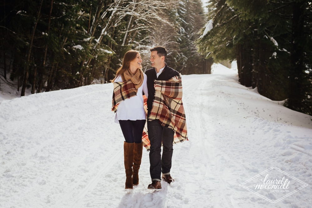 couple_walking_in_snow