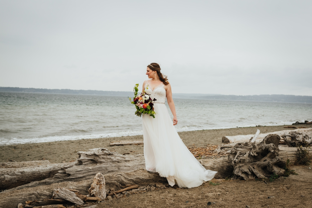 bride _dress_beach