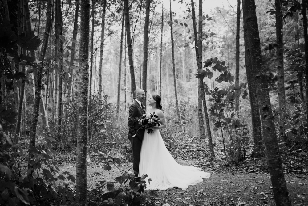 bridal_portraits_in_trees
