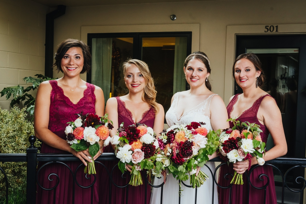 bride_and_bridesmaids