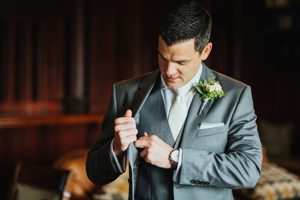 groom_getting_ready