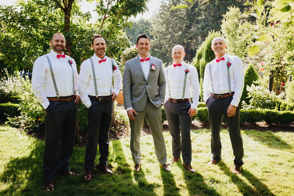 groom_and_groomsmen